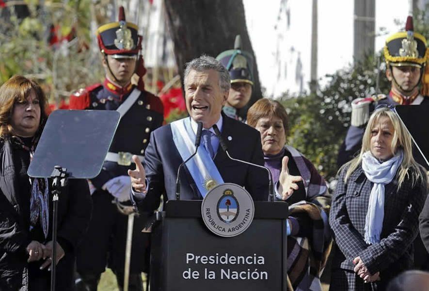 """""""Estamos pasando una tormenta fruto de nuestra propia gestión, externos y políticas del gobierno anterior"""", dijo Macri en el 9 de julio."""