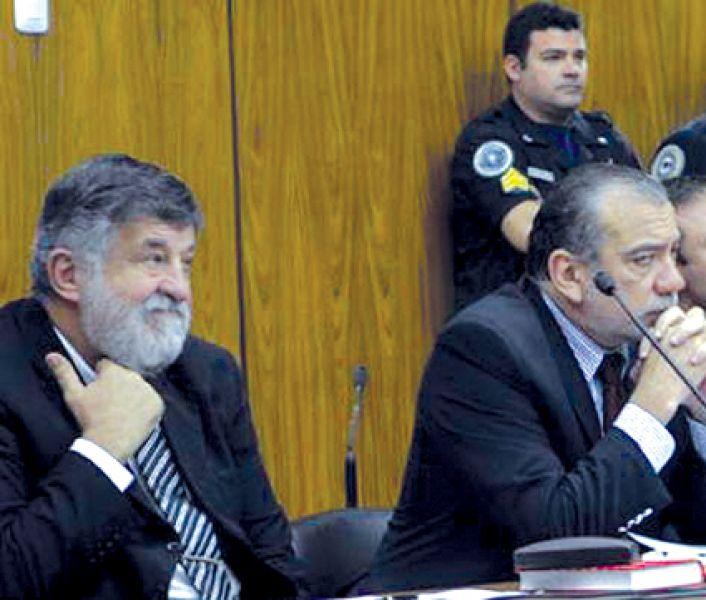 A Jorge Rocchia Ferro (izq) se lo acusa del vuelco de vinaza desde el Ingenio La Florida del grupo Los Balcanes. (Foto diario El Liberal)