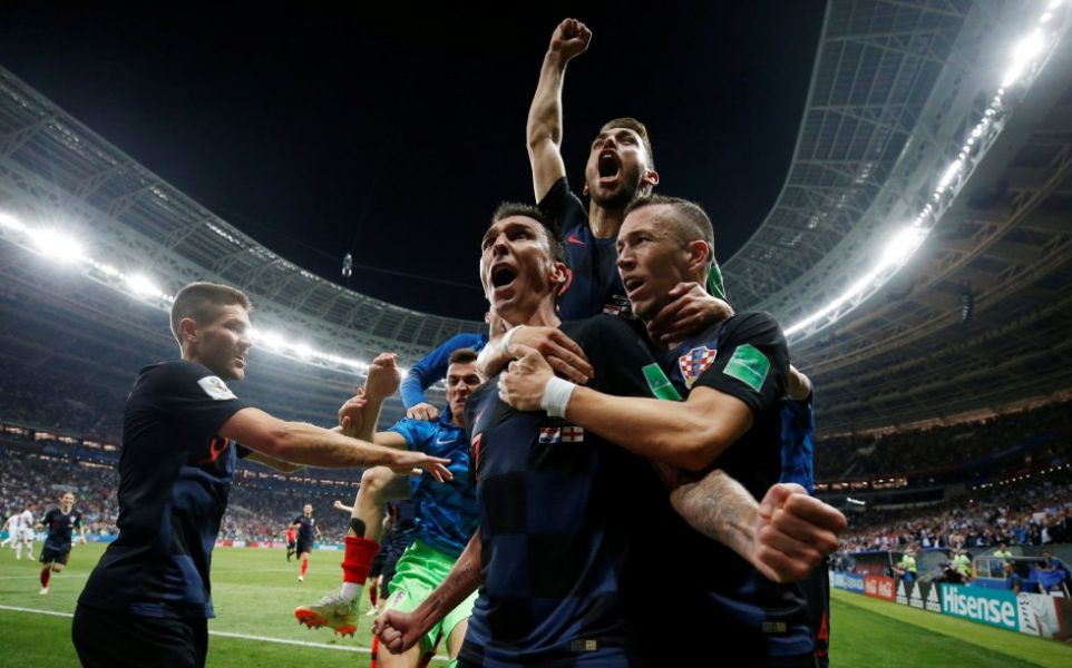 Croacia festeja su paso a la final del Mundial Rusia 2018.