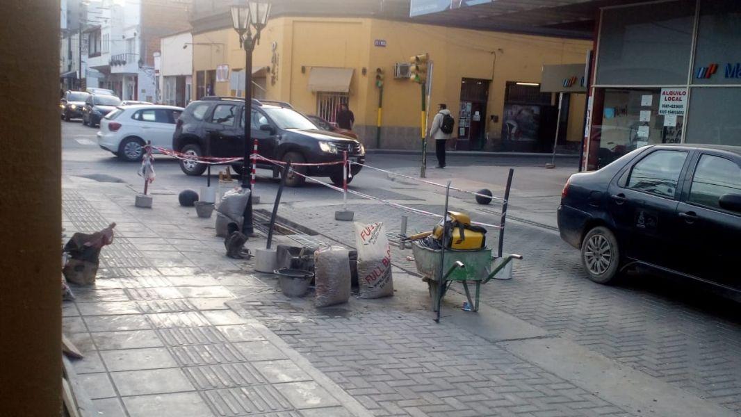 A pesar de la negativa municipal, las reparaciones continúan y se podían ver en Caseros casi Pellegrini.