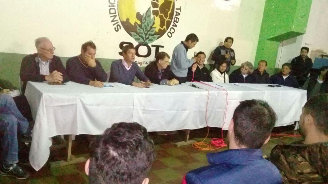 Los trabajadores tabacaleros hicieron sus reclamos a diputados porque el Gobierno de la Nación endureció las medidas en contra el campo.