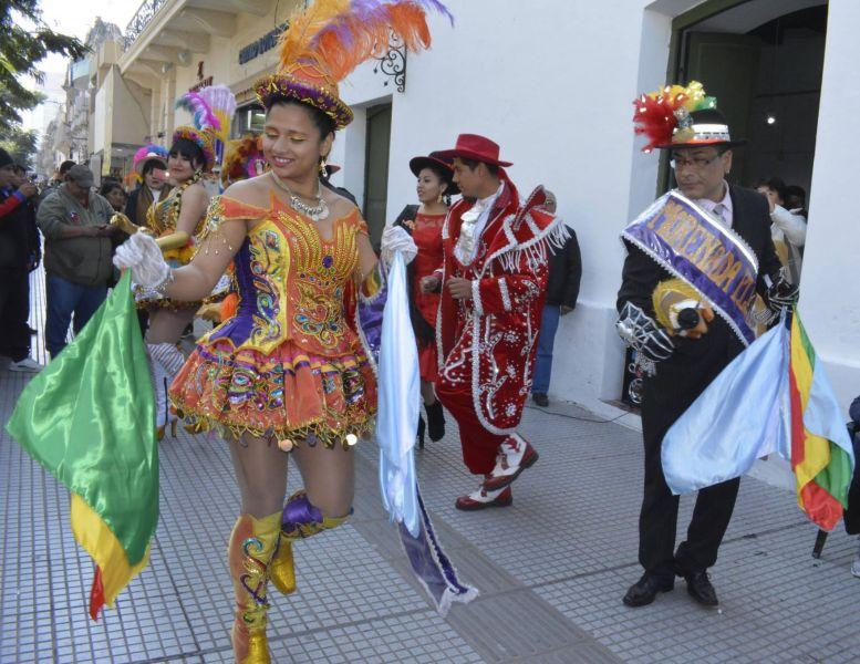 Desde el sábado 4 hasta el lunes 6 de agosto Bolivia festeja en Salta con bailes, serenata y feria de comidas con entrada libre y gratuita.