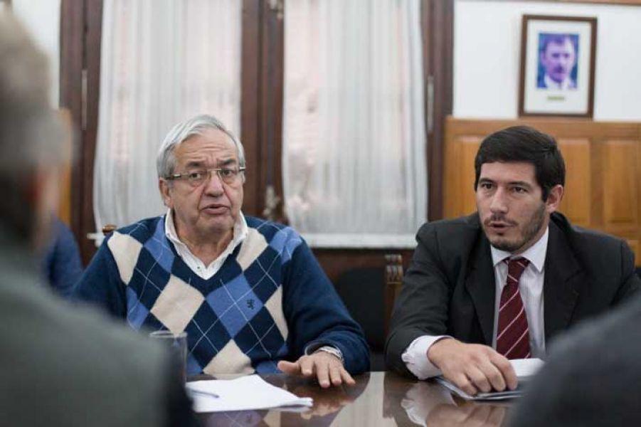 El ministro de Seguridad, Carlos Oliver frente a los diputados defendió los operativos contra trabajadores informales y artistas callejeros.