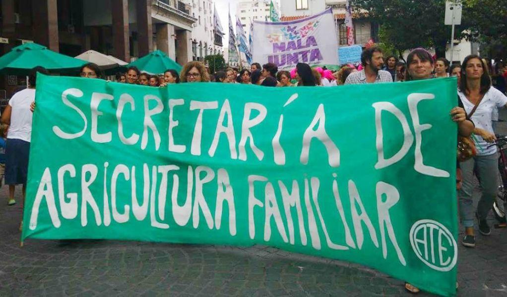 """Coordinadores provinciales afirman que en Buenos Aires existe """"el pedido del ministro Etchevehere de despedir a 600 trabajadores"""", en todo el país."""