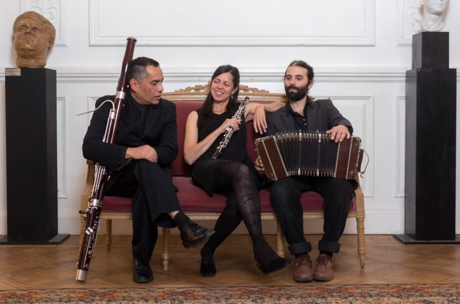 """""""Cañas y Compañia"""" son: Julieta Ugartemendia (clarinete); Alejandra Barreto (oboe), Antonio Aray (fagot) y Emiliano del Alba (bandoneón)."""