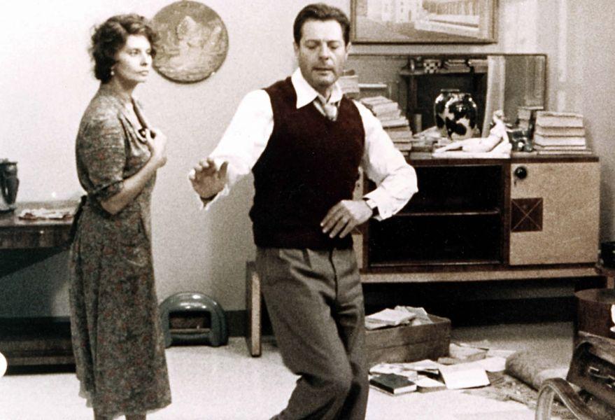 Una jornada particular (1977), uno de los grandes éxitos de Ettore Scola, es una de los cuatro filmes propuestos por el Cine Club Salta.