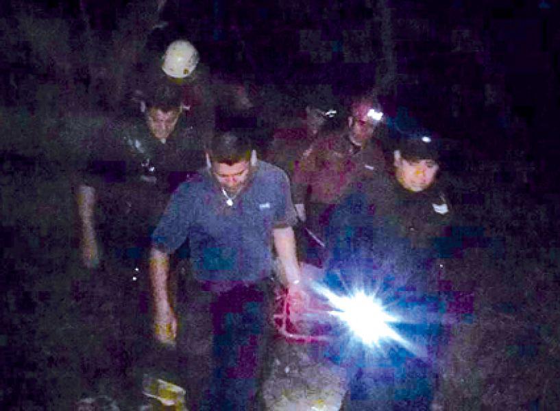 Los rescatistas llegaron hasta la cima de uno de los cerros de la Quebrada de San Lorenzo para rescatar a la turista francesa.