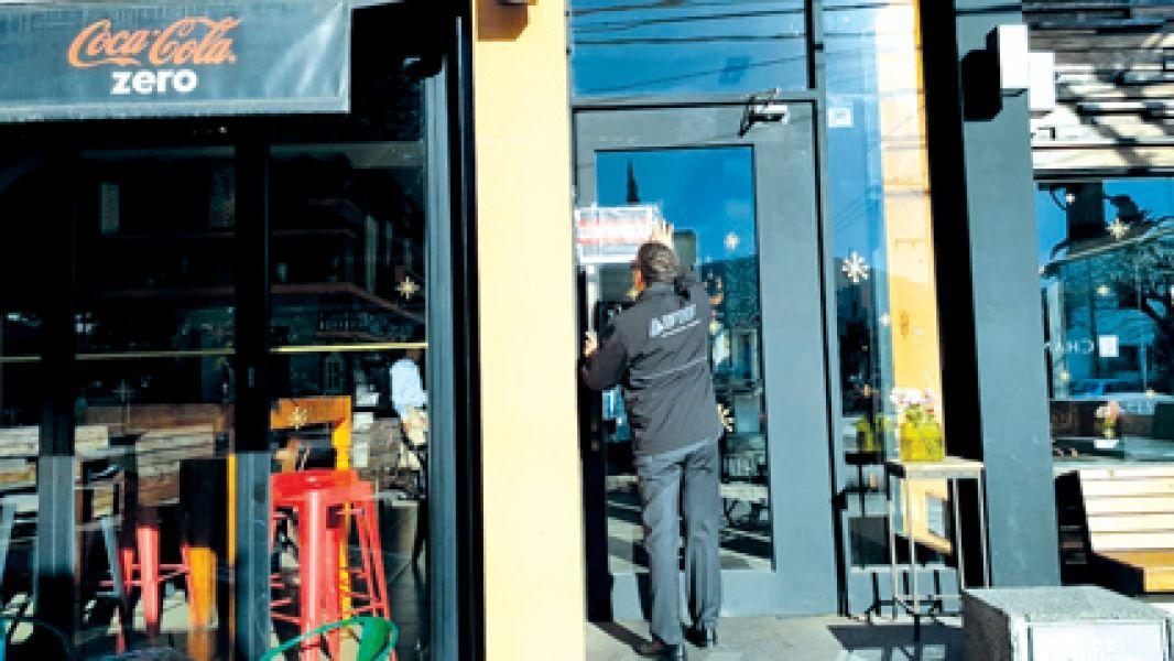 El local Aniceto Coffe Bar & Grill, fue clausurado por el lapso de cuatro días.