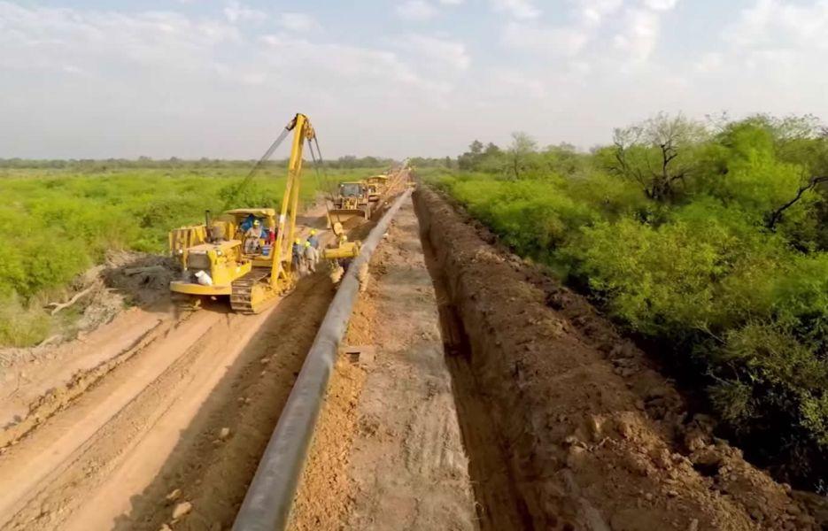 La obra del Gasoducto del Nordeste Argentino (GNEA), se realiza por un convenio de venta de gas con Argentina.