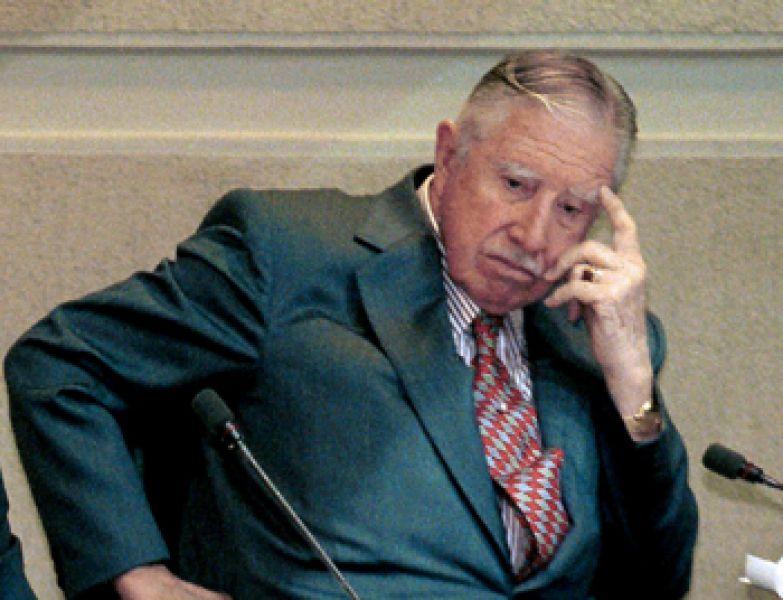 Ordenan retener bienes del ex dictador Augusto Pinochet por más de 17 millones de dólares que debían pasar a sus herederos.