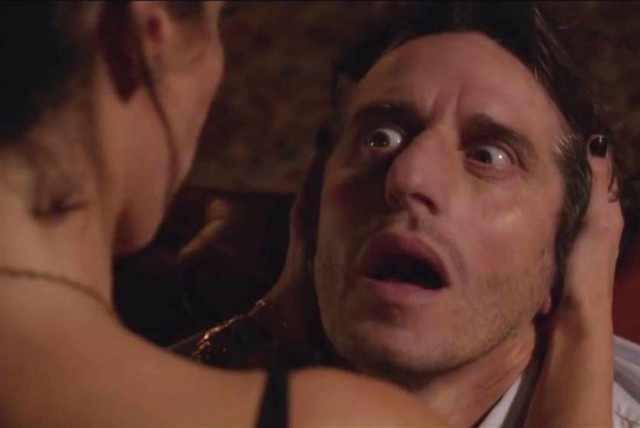 El idilio padre-hija se ve conmocionado por la aparición de Vicky, amor platónico de Gabriel (Diego Peretti).