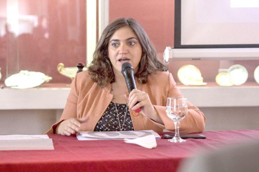 """La titular del observatorio de las mujeres Alfonsina Morales, consideró que """"la provincia debe tener un código de ética pública nuevo""""."""