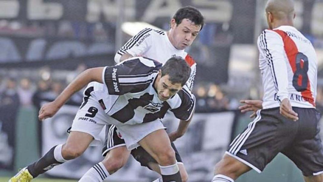 Martínez solo marcó dos goles en Central, uno a River en amistoso.