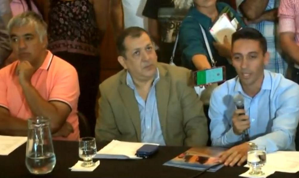 Sergio Bravo, Secretario de Cultura y Claudio Ruiz, actual administrador del Teatro Provincial en la presentación del ciclo.