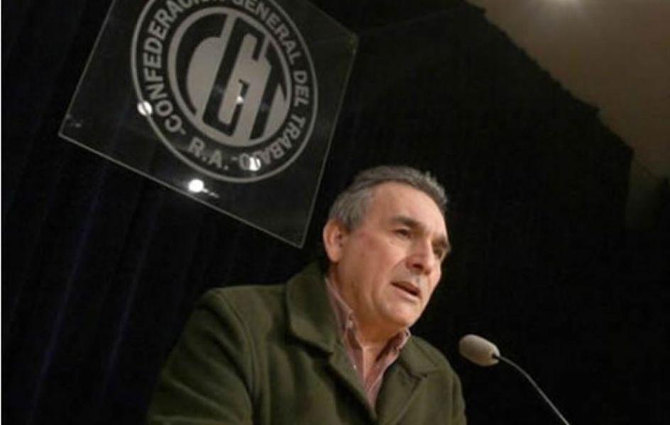 """El sindicalista Juan Carlos Shmid dijo que la relación de la CGT con el Gobierno deMauricio Macri""""está en el punto de tensión""""."""