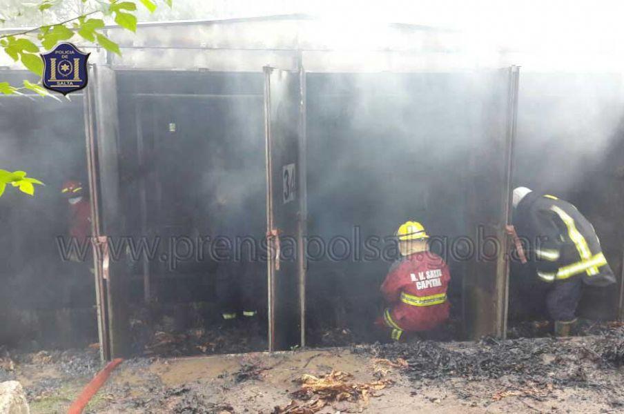 Bomberos sofocaron un incendio en una estufa de secado de tabaco