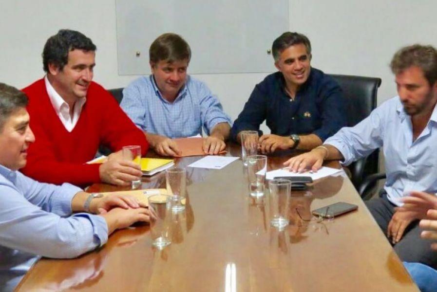 Miguel Nanni junto a otros dirigentes de Cambiemos Salta.