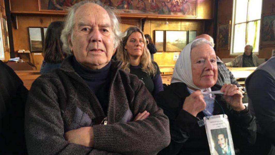 La Comisión de la  Memoria de Buenos Aires, denunció tratos hostiles en Malvinas y a su regreso al país los escracharon en el areropuesto.