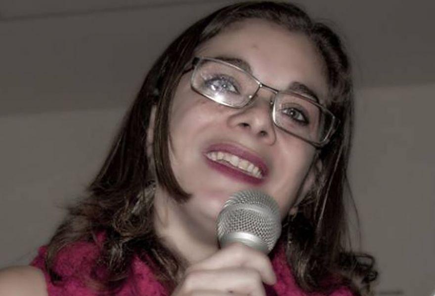"""Laura Beatriz Rojo presentará su poemario """"Pluriverso"""" el lunes 17 de abril en Urquiza 153."""
