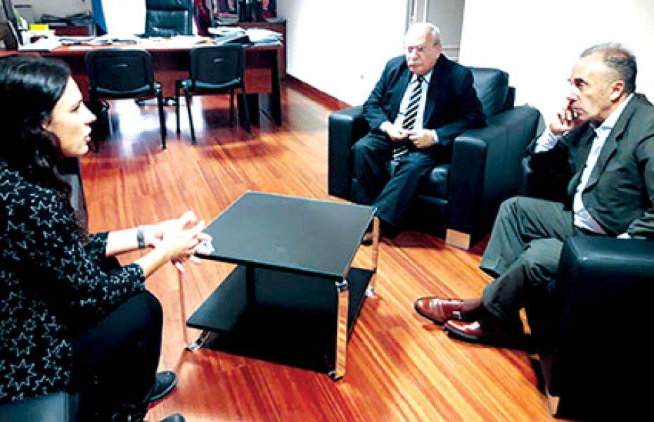 La ministra Calleti junto al juez Frugoni y el consejero Cabral.