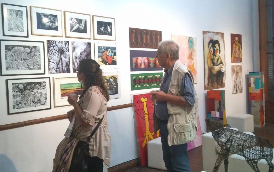 La noche de las galerías de arte propone un circuito por ocho espacios con exposiciones y de paso ver actividades artísticas.