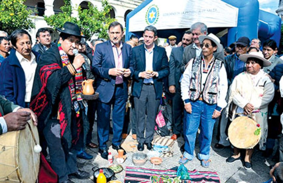 En el acto por el Día del Indio Americano destacaron el compromiso del gobierno con las comunidades originarias.