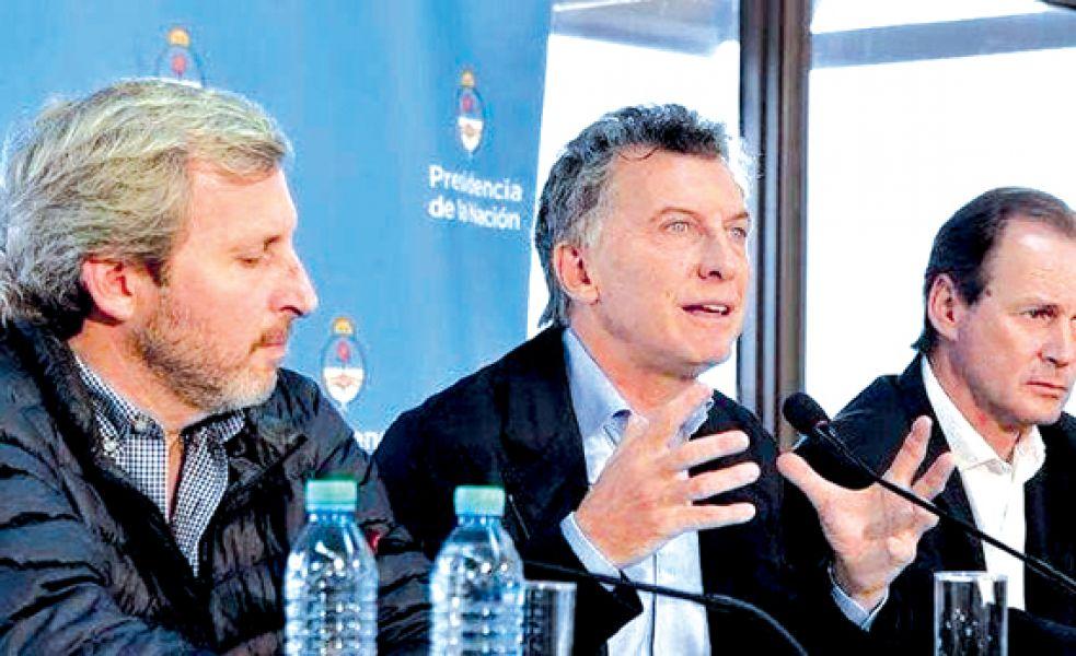 El presidente Macri y su gabinete en su visita a la provincia de Entre Ríos. Habló de calidad educativa y volvió a criticar a los gremios.