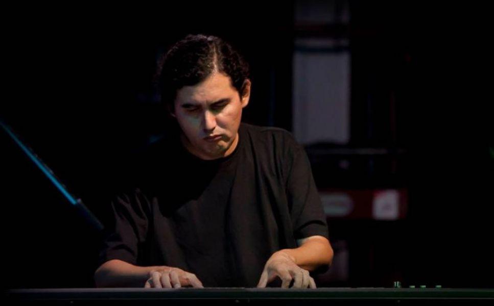 Daniel Tinte, músico y profesor de la Escuela Popular de Música que se inaugura este sábado con un acto y recitales.