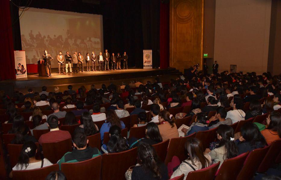 El Programa del Ministerio de Educación posibilita anualmente que 3.735 chicos salteños reciban becas.