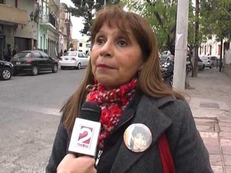 """Ana Fernández, presidenta de la Fundación Cintia Fernández denunció a un abogado """"carancho""""."""