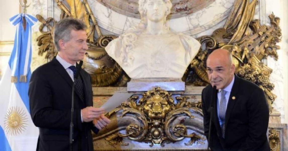 El presidente dio su apoyo al titular de la Agencia Federal de Inteligencia, y amigo personal, Gustavo Arribas.
