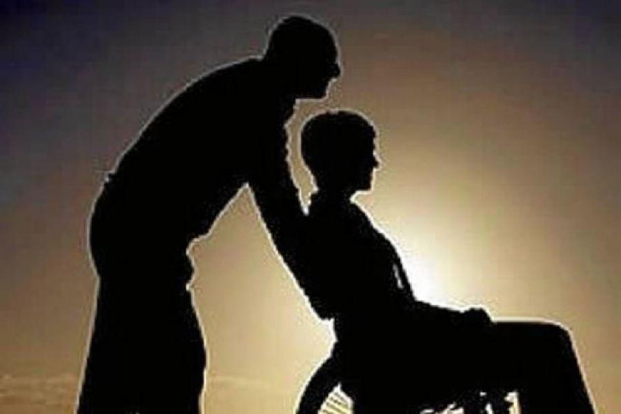 La pareja fue condenada por el delito de abuso sexual simple continuado agravado por el vínculo y la convivencia preexistente.