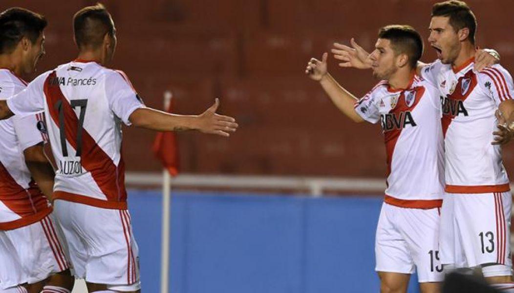 Todos celebran el gol de Alario, el primero en la noche peruana. El Millo no dejó dudas.