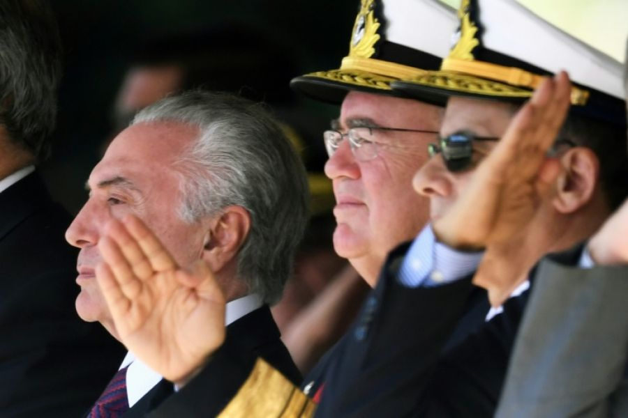 El presidente brasileño Michel Temer algo mas aliviado, en la ceremonia del 152 aniversario de la batalla naval de Riachuelo, en Brasilia.
