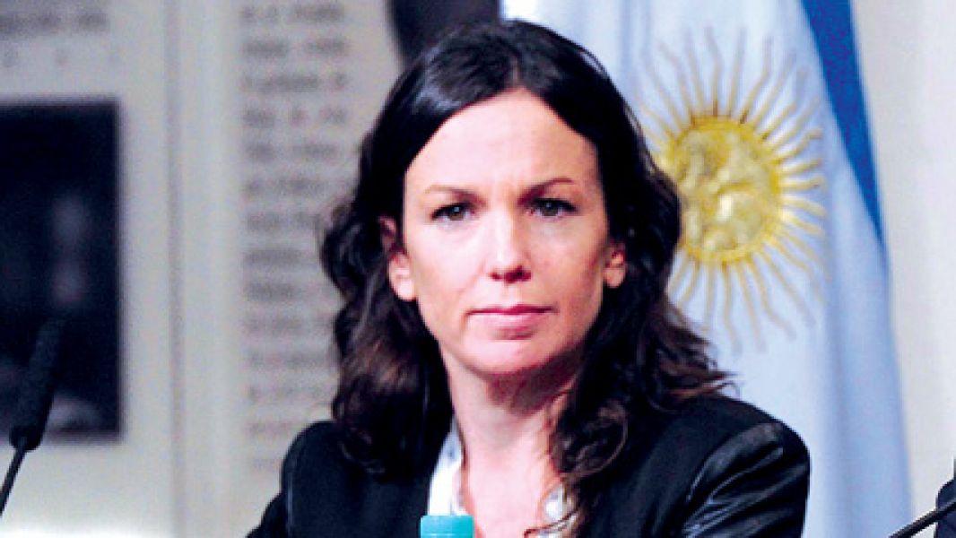 La ministra Carolina Stanley: el Gobierno admite error en quita de pensiones por discapacidad y promete reestablecerlas.