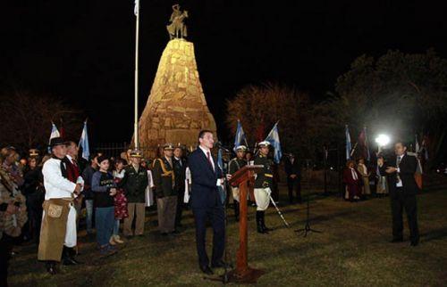El ministro de Cultura, Mariano Ovejero, encabezó el homenaje.