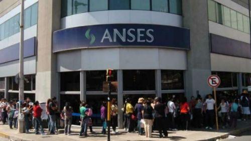 Los interesados deben sacar un turno en ANSeS y una vez solicitado el monto en 4 días se le depositará el dinero en su cuenta.