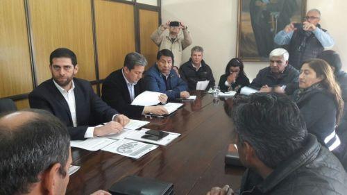 Los ministros presentaron ayer el borrador del decreto reglamentario de la Ley Campesina.