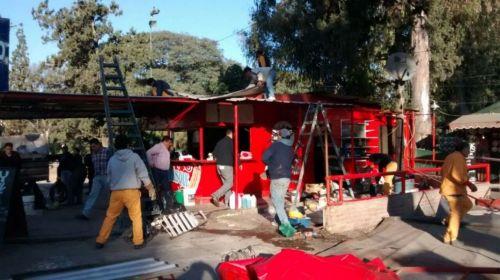 Ocasión en que desmantelaron el kiosco de Silisque en el Parque San Martín