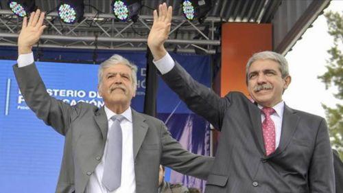 Julio De Vido y Aníbal Fernández, imputados por sobreprecios en obras por $183,8 millones.