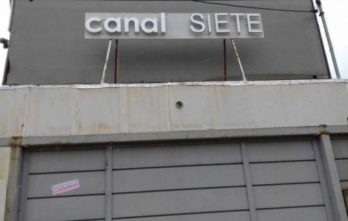 Los estudios de Canal 7 de Salta fueron clausurado y se desató una polémica sobre controles de habilitación o intento de acallar a un medio local.