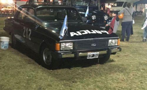 El polémico Ford Falcon, emblema de la represión ilegal, expuesto durante la Ferinoa 2017. (Foto: La Gaceta).