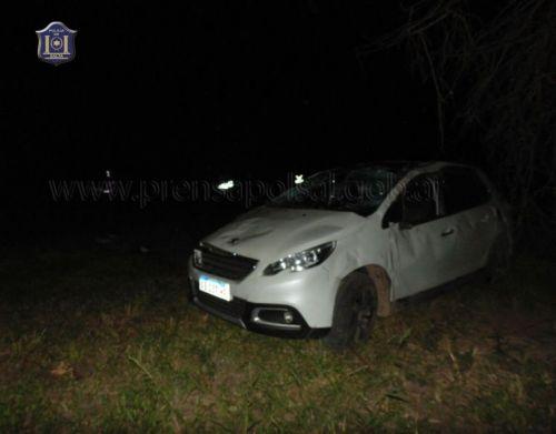 En estevehículo Peugeot 208 perdió la vida una mujer de 22 años y una nena de 9 años salió ilesa.