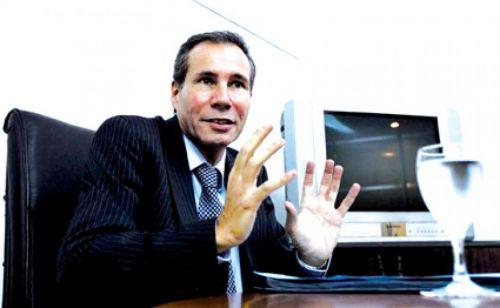 Alberto Nisman le preguntó si le podía comprar un arma con su nombre. El oficial de la Policía Federal le contestó que no.