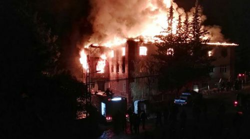 Incendio en una residencia estudiantil de mujeres en Turquia