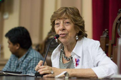 """""""Mujeres llegan al servicio de Salud por casos de violencia y allí se les detecta la infección"""", dijo Mabel Bianco."""