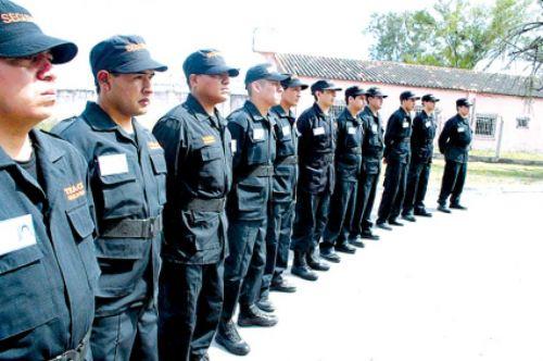 El servicio de vigilancia privada que trabaja para el Gobierno provincial y municipal con problemas para cobrar sus salarios.