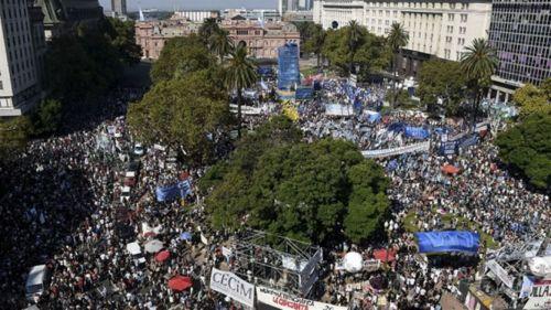 Sin actos oficiales el pueblo se movilizó en todo el país y los organismos de DD.HH hizo reclamos al gobierno nacional.