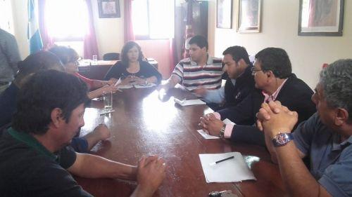 La reunión entre funcionarios y gremialistas en la que se llegó a un acuerdo.