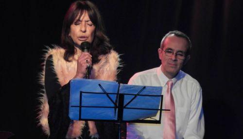 """Lucila Suárez y Dany Aráoz Tapia, cantantes de """"La Nuit En Rose""""."""